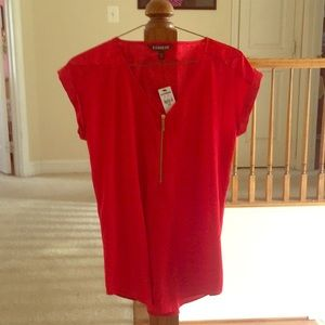 UNUSED TAGS ATTACHED red short sleeve blouse